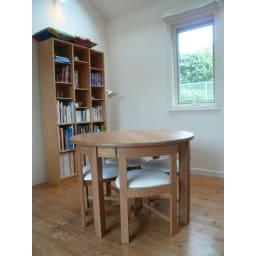 省スペースラウンドダイニングシリーズ お得な5点セット(テーブル+チェア2脚組×2) 狭小住宅でもお部屋を広々使えます。