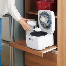 時短が叶う家電活用ハイカウンター 幅90cm 下段オープン部は家電をサッと引き出せるスライドテーブル。