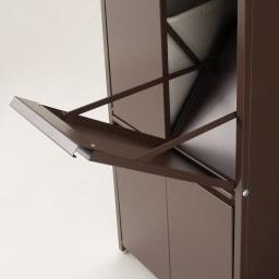 ステンレス天板ダストボックス 横型4分別 ゴミ箱ペールが入る部分もシッカリ塗装仕上げされています。