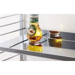 ステンレス棚板コンロ奥ラック 2段・幅81.5cm 熱いお鍋も置けて、水や汚れにも強いステンレス棚板。
