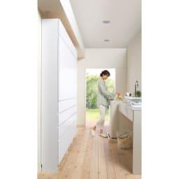 組立不要 天井まで使える薄型サニタリーチェスト 奥行23.5cmタイプ 幅40cm用「上置き(小)・高さ20cm」 圧迫感の少ない薄型23.5cm。