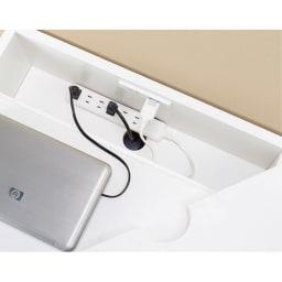 オールインワン!組立不要 マルチ収納パソコンデスク 幅60cm 電源タップやコードを収めるボックス内に2口コンセント(計1500W)付き。