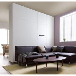 壁面間仕切りワードローブ ブレザー・幅60cm ホワイト色はどんなお部屋にも合います。