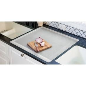 キッチン用半透明保護マット(裏面:吸盤仕様タイプ) 65×60 写真