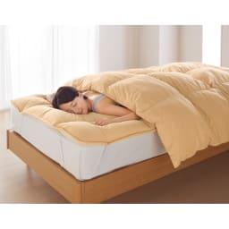 まるで羽毛みたい!!スノーホワイトプラス 布団シリーズ オーバーレイ (イ)ベージュ 背中からほんわり暖かく。中わたたっぷりなのでふかふかな寝心地です。敷布団やマットレスに。 ※お届けはオーバーレイのみです