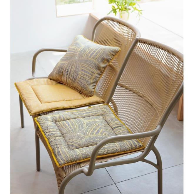 スペイン製ジャカード織りシートクッション 上 (イ)イエロー系・裏(写真は約48×45cm) 下 (イ) イエロー系・表(写真は約48×45cm)(クッションは別売りです。)