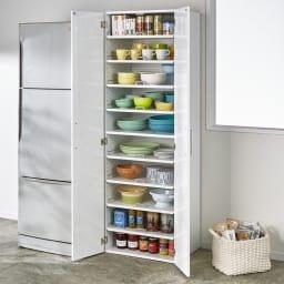 食器が探しやすく取り出しやすい食器棚 幅60cm コーディネート例(ア)ホワイト