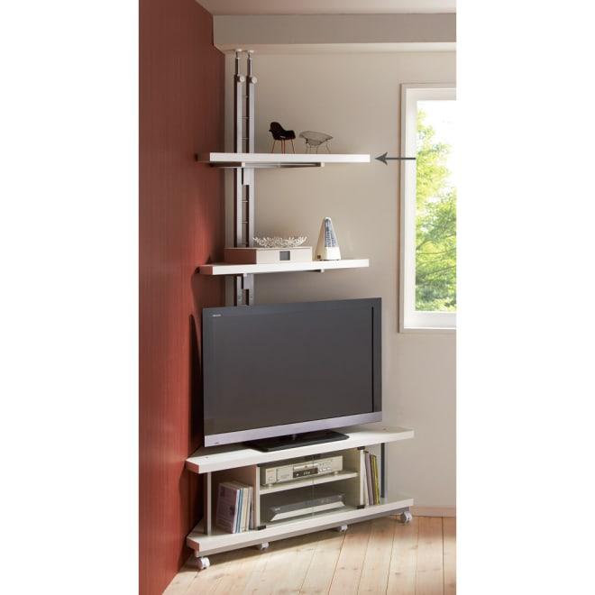 テレビ上の空間を有効活用できる突っ張り式スペースラックコーナー用 幅90cm・2段 (イ)ホワイト お届けはテレビ台うしろの突っ張りラックとなります。テレビ台は別売り。 テレビの上の空間を有効利用!