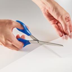 透明テーブルマット テーブルに合わせて好みのサイズにカットして使えます。