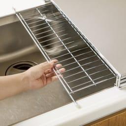 シンクに渡せる食洗機ラック スライド水切り付き ちょっとした洗い物に便利なスライド水切り付き。