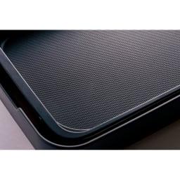 象印 STAN. /スタン ホットプレート プレート表面は、浅い凹凸のダイヤカットディンプル仕上げなので油なじみが良くこげつきにくくなっています。