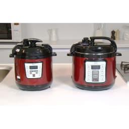 マイコン式電気圧力なべ 容量4.0L イのレッド色 (左)2.5Lタイプ(右)4Lタイプ お届けするのは右の大きいタイプです。