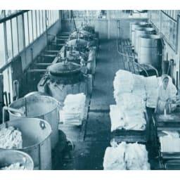 パシーマEX 先染めタイプ パッドシーツ (写真)創業65年の龍宮(株)脱脂綿工場 パシーマ開発 龍宮株式会社 代表取締役 梯行一 創業65年の歴史を持つふとんメーカーで医療用の脱脂綿・ガーゼを生産、紡績・精製・縫製・形状に至るまで、こだわりの独自の製法で「パシーマ」が生まれています。