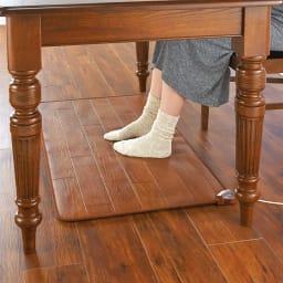 ホットテーブルマット 幅60cm 木目柄 (イ)ダークブラウン ※写真は約60×110cmタイプです。