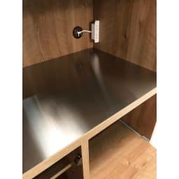 ステンレス天板 コンパクトレンジボード 幅80奥行40.5cm 中天板もステンレス仕様で、家電を乗せるのはもちろん、水・熱・油に強いので、キッチン調理途中のボウルやお皿をちょっと置きたい時のスペースとしても重宝します。