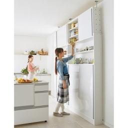 狭いキッチンでも置ける!薄型引き戸パントリー収納庫 奥行21cmタイプ 幅60cm 場所をとらない引き戸で効率よく収納。