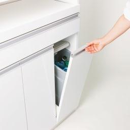 ふた開閉ゴミ箱付き家電収納庫 2分別 ミドルタイプ 幅51.5cm高さ139cm奥行42cm ペールのフタはフラップ扉と連動して自動開閉。ゴミ捨てがラクにできます。