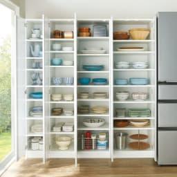 食器に合わせて選べる食器棚 幅35cm奥行42cm高さ180cm コーディネート例 ※左から 幅30cmタイプ、幅35cmタイプ、幅45cmタイプ、幅55cmタイプです。