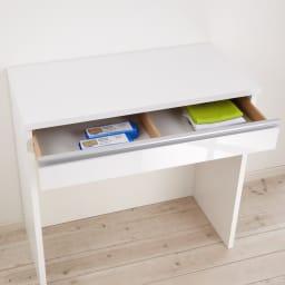 間仕切りキッチンカウンター カウンターデスク 幅90cm 引き出し付きなので、カトラリーやランチョンマット、ゴミ袋入れなどに便利です。