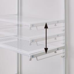 防水パンの段差対応 突っ張りランドリーラック 棚2段 棚の高さはお好みの位置に無段階に可動します。