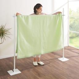 コンパクトに収納 2WAY物干しポールハンガー ロングタイプ 毛布やパッドシーツもラクに干せます。