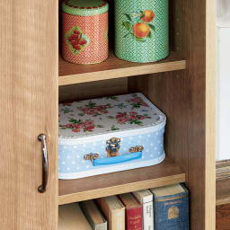 隠せる片引き戸ランドセルラック 幅90cm 引き戸内は可動棚板2枚付きの収納になります。