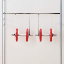ウォークイン突っ張りハンガー 幅111~200cm・ハイタイプ(高さ218~280cm)・カーテンなし 【強度試験をクリアした品質】頑丈な肉厚パイプを使用しているので、たっぷり収納。洋服を思い切り掛けられます。(※イメージ)