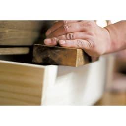 【日本製】天然オイル仕上げキャスター付き総桐箪笥 浅引き6段 高さ51.5cm 桐専門の職人が一つ一つ手仕事で作り上げています。
