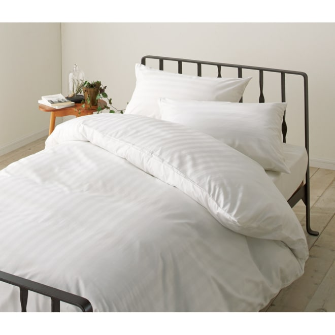 ホテルライクな高密度ドビー織 掛けカバー 同じ素材のカバーリングもご用意 ホテルのような寝室を演出できるドビー織りカバーはダニ・ホコリ対策にもお役立ち。高い吸水速乾性も魅力。