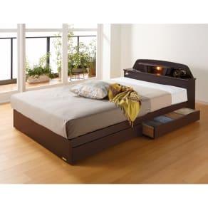 【セミダブル・羊毛綿入りマット】棚照明付きベッド 写真