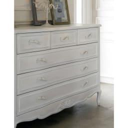 シャビーシック ホワイト フレンチ収納家具シリーズ チェスト 幅120 置くだけでお部屋の雰囲気が華やかになる、上品なリビング収納・衣類収納です。
