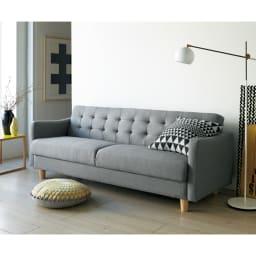 デザインにこだわったソファベッド 幅176cm奥行70cm 北欧風のスタイリング。(柄のクッションはスタイリング小道具です)(ア)ダークグレー