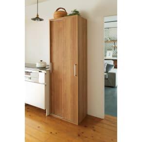 棚板たっぷりラクラク引き戸食器棚 幅60cm・奥行39cm 写真