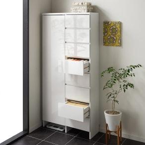 組立不要 たっぷりの棚と引き出しで片付くサニタリー収納庫 ハイタイプ 幅79cm 写真
