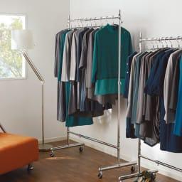 プロ仕様 伸縮頑丈ハンガーラック シングルタイプ 幅70~92cm 幅と高さが調節できる頑丈ハンガーラックです。ウォークインクローゼットや寝室に便利にお使いいただけます。