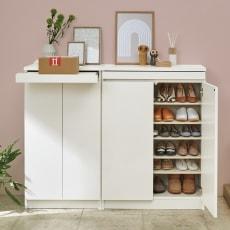 使う時だけ引き出せる!荷物のチョイ置きに便利なスライドテーブル付きシューズボックス 幅80高さ110cm