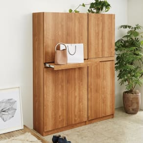 使う時だけ引き出せる!荷物のチョイ置きに便利なスライドテーブル付きシューズボックス 幅80cm高さ180cm 写真