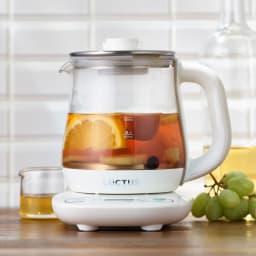 調理もできる温度調整もできるガラスの電気ケトル(クックケトル) フルーツティに。