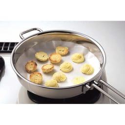IH対応 服部先生のステンレス7層構造鍋「ジオ」 両手鍋径25cm ふたを閉めて焼けばなんとクッキーの完成!オーブンは不要です。空焚きができるジオならでは!
