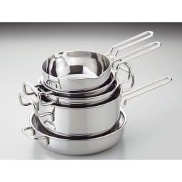 IH対応 服部先生のステンレス7層構造鍋「ジオ」 両手鍋径25cm シリーズで集めれば収納も、重ねてスッキリ。 重ねられるので、省スペースで収納できます。(写真は5点セット)