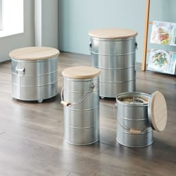 OBAKETSU/オバケツ 檜フタの米びつ 5kg用 どこか懐かしい佇まいが新鮮。本体は丈夫で軽く光も通しにくいトタン材を、フタには防虫効果が期待される檜を使用。5・10kgには持ち手付き。