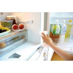 お風呂掃除専用クリーナー アミロン カビクリーン 食品が入っている冷蔵庫のゴムパッキン部分にもカビは発生します。カビクリーンで定期的にケア。