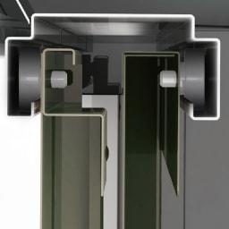 【日本製】オールネイビー引き戸物置 薄型ハイタイプ 開閉スムーズな吊り戸式。