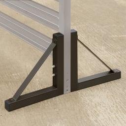 簡単リフォームアルミボーダーフェンス スーパーハイタイプ高さ180cm・幅90cm(1枚) 固い場所では、専用スタンド(別売)を取り付けて自立。スタンド使用時はフェンス同士の連結不可。