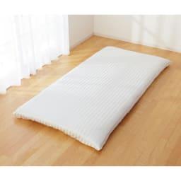オールシルクシリーズ サテン織りマルチシーツ フラットな1枚布タイプなので、敷布団用シーツとしても使用できます。