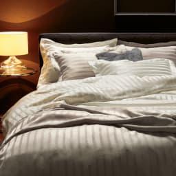 オールシルクシリーズ サテン織りシーツ&カバー グレージュ ベッドシーツ ホワイトと合わせてコーディネートを楽しむのも◎