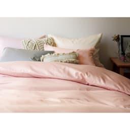 スーピマ超長綿を贅沢に使用したサテン織り  ベッドシーツ [コーディネート例] (エ)パウダーピンク
