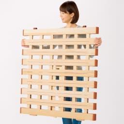 気になる湿気対策に薄型・軽量桐天然木すのこベッド ロールタイプ 軽いから移動もラク 干す場所へ、敷く場所へ、ラクに移動できます。