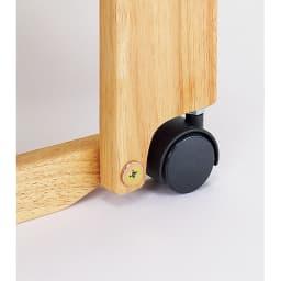 畳空間を簡単に演出できる折りたたみベッド ハイタイプ(棚なし) ベッド時は、木枠で本体を支えるため安定感が増し、キャスターで床を傷つける心配もありません。