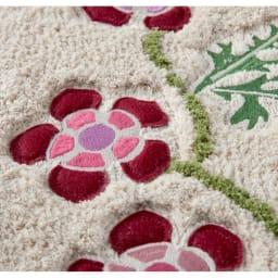 シビラ トイレタリー〈アエログラフォ〉 フタカバー・マットセット アップリケと刺繍が施されています。 (ア)ベージュ系